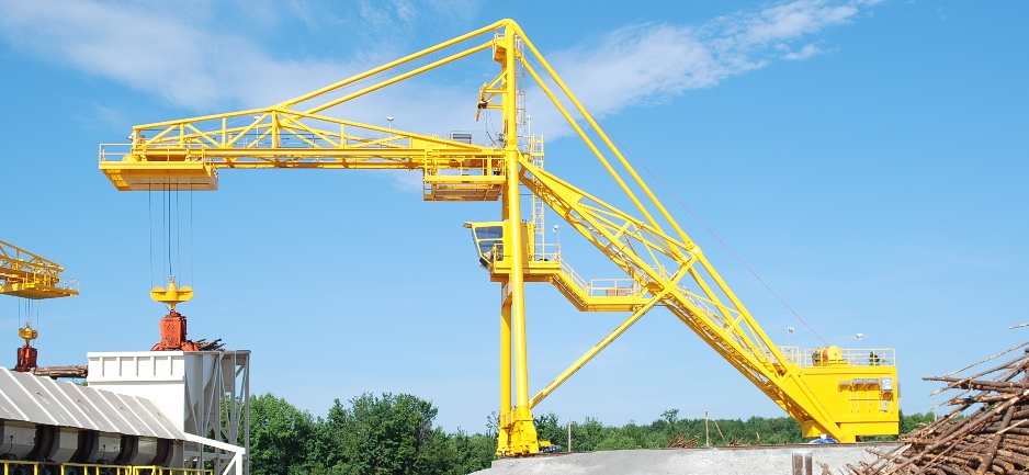 938x433 Macon Chips 125 25T Log Crane